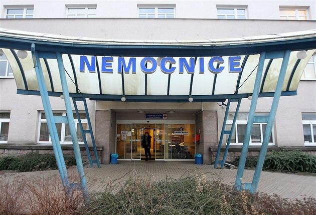 Hlavní vchod do nemocnice Turnov